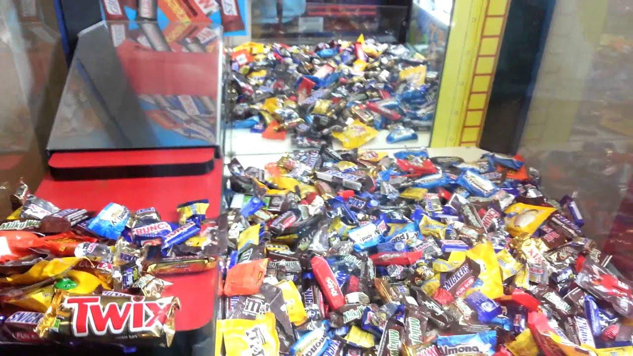 Machine Claw Chocolate Factory