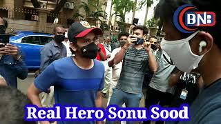 Sonu Sood Real Hero Mile public se or logo ki help ke liye aaye samne