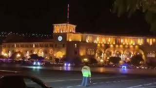 Փաշինյանի ավտոշարասյան համար ոստիկանությունը փակեց Հանրապետության հրապարակի  երթևեկությունը
