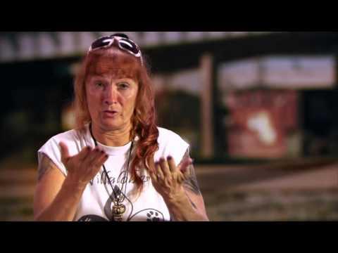 Pit Bulls & Parolees | Roxy Mama Reunites With Cheryl