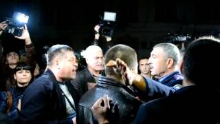 Сторонники экс-нардепа Маркова штурмуют облУВД
