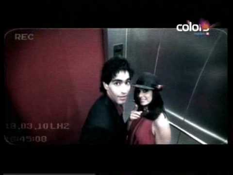 Close UP (TV advertisement) - Pass Aao Na