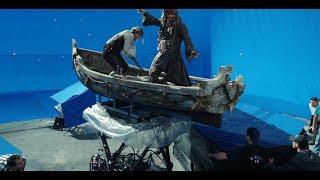 Сцена с акулами Пираты Карибского моря 5