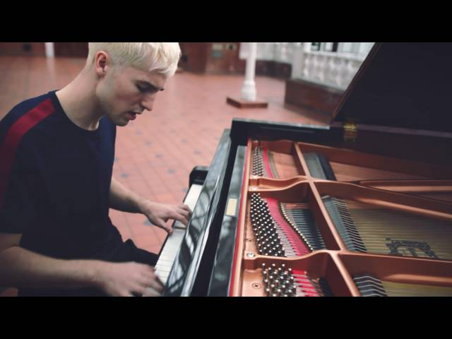'Sweet Dreamer' by Will Joseph Cooke – Burberry Acoustic