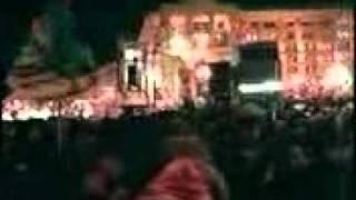 Майдан 2004 рік(Вигляд майдану із-середини... Обличчя, пісні, переконаність у власній правоті... Це ПРЕКРАСНО! І неповторно..., 2011-11-24T07:59:31.000Z)