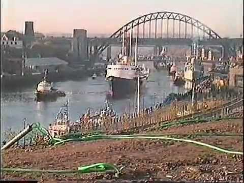 Royal yacht Britannia and  HMS Manchester at Newcastle - Gateshead Quayside in 1997