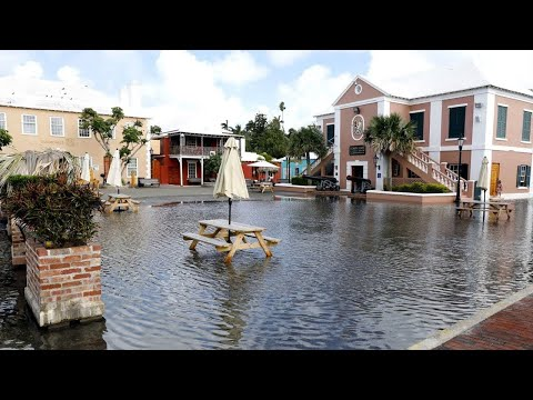 High Tide Causes Flooding At St Georges Town Square, Oct 8 2017