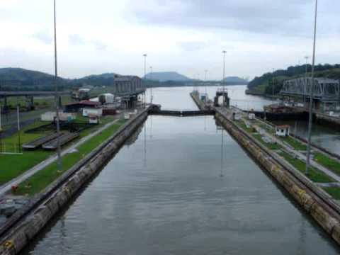 Panama Canal - 3. In the Lock
