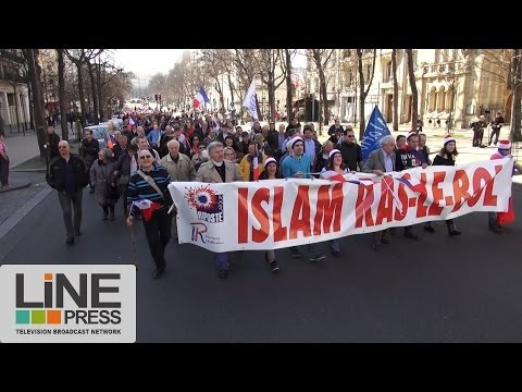 Manifestation contre l'islamisation et l'immigration / Paris - France 09 mars 2014