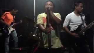 Lagu buat kamu Live by banana band
