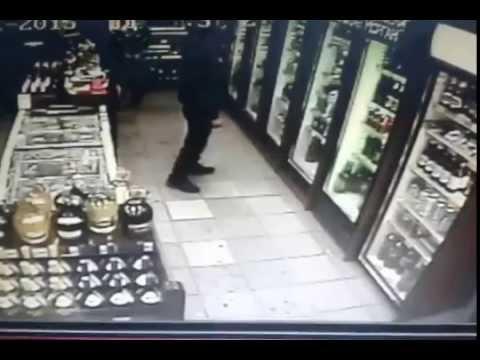 Дед красавчик предотвратил кражу! Респект и уважуха! Магазин Красное Белое Челябинск!