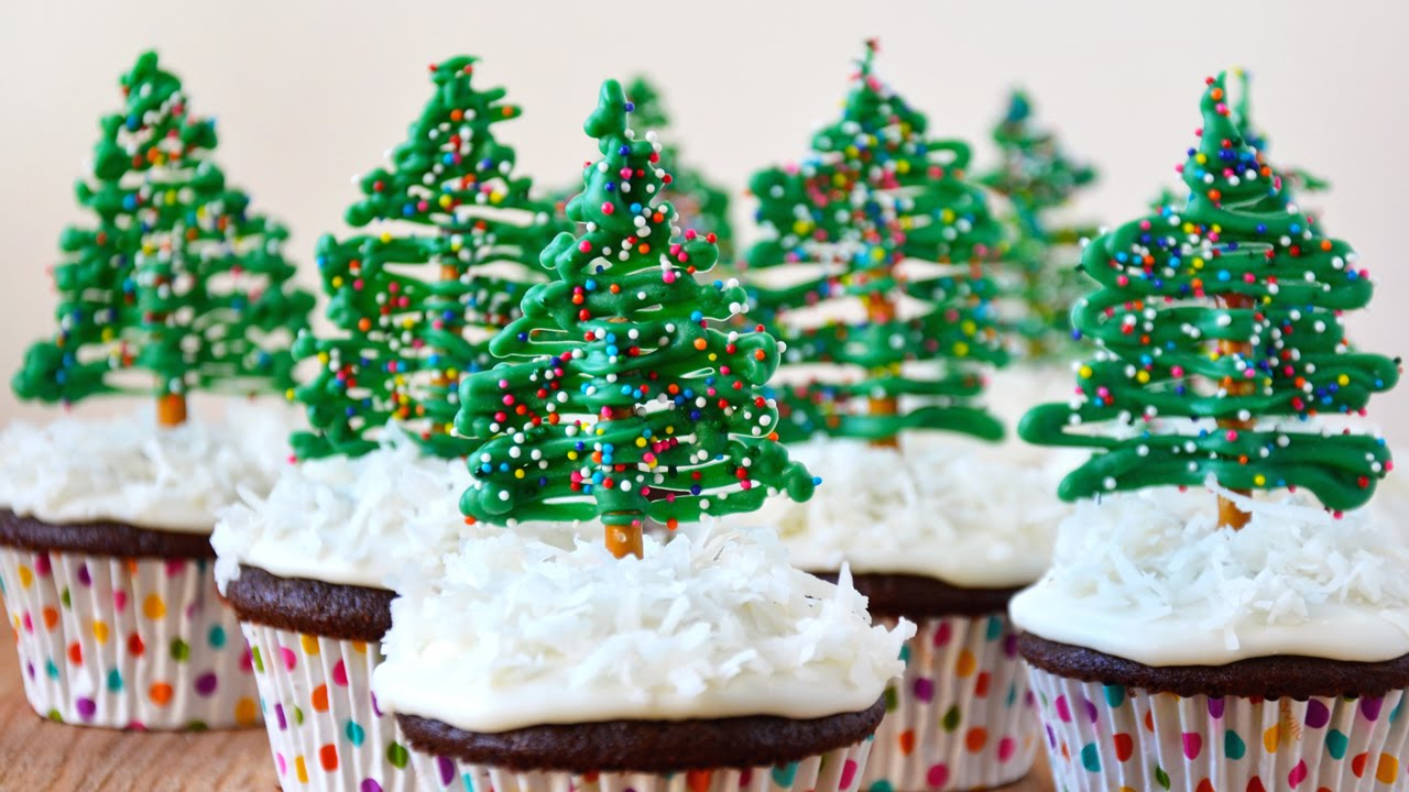 easy christmas tree cupcake toppers - Christmas Cupcake Decorations