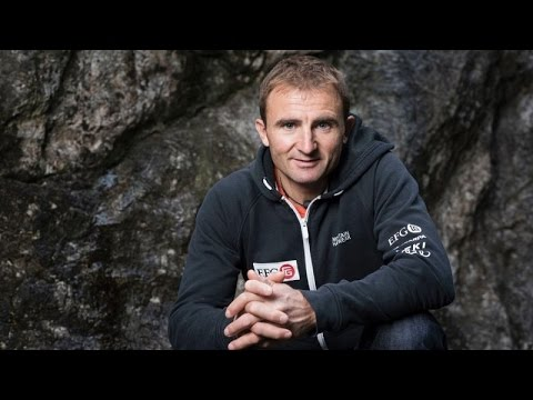Famed climber Ueli Steck killed near Mount Everest