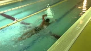 Style1水泳動画 フィンガーネイル 指を水面に滑らせながらのクロ...