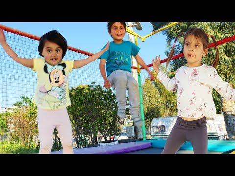 Fındık Ailesi Trambolında Zıplıyor. Oyun Parkı Eğlenceleri
