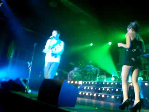 Professor Green ft. Lily Allen - Just Be Good To Green [Live in Berlin]