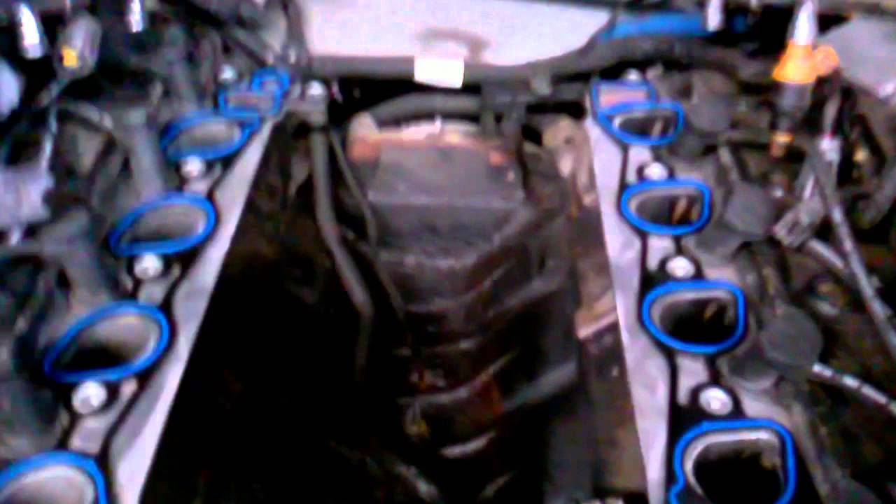 small resolution of 1998 ford expedition 4 6 intake manifold youtube 1998 expedition intake manifold cover diagram