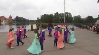 Tanecznym krokiem przez Europę - Belgijka