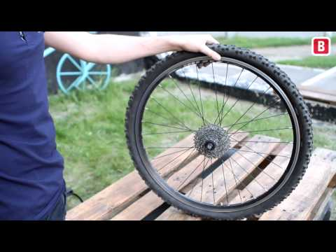 Как поменять колесо на велосипеде