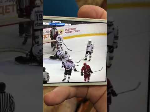 Хоккеист отомстил за друга