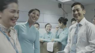 """Phóng sự: """"Một ngày làm tiếp viên của Vietnam Airlines"""""""