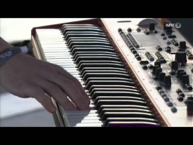 delillos-smak-av-honning-live-sommerapent-2012-kaare-k-johnsen