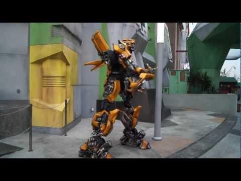 Transformer suit at Universal Studios Singapore (www.Globe-Explores.com)