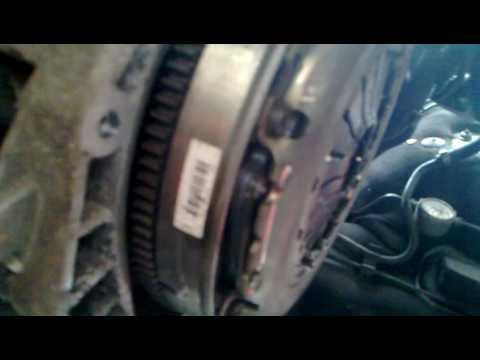 dual mass flywheel corsa 1.3 cdti 2 - YouTube