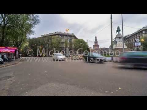 0040 - time lapse - traffic in a roundabout, Milan
