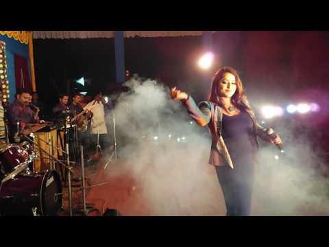 Chirodini tumi je amar singing by Rimjim Gupta.