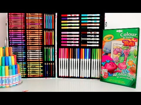 COLORING TROLLS WITH CRAYOLA COLORING KIT 200 MARKERS CRAYONS