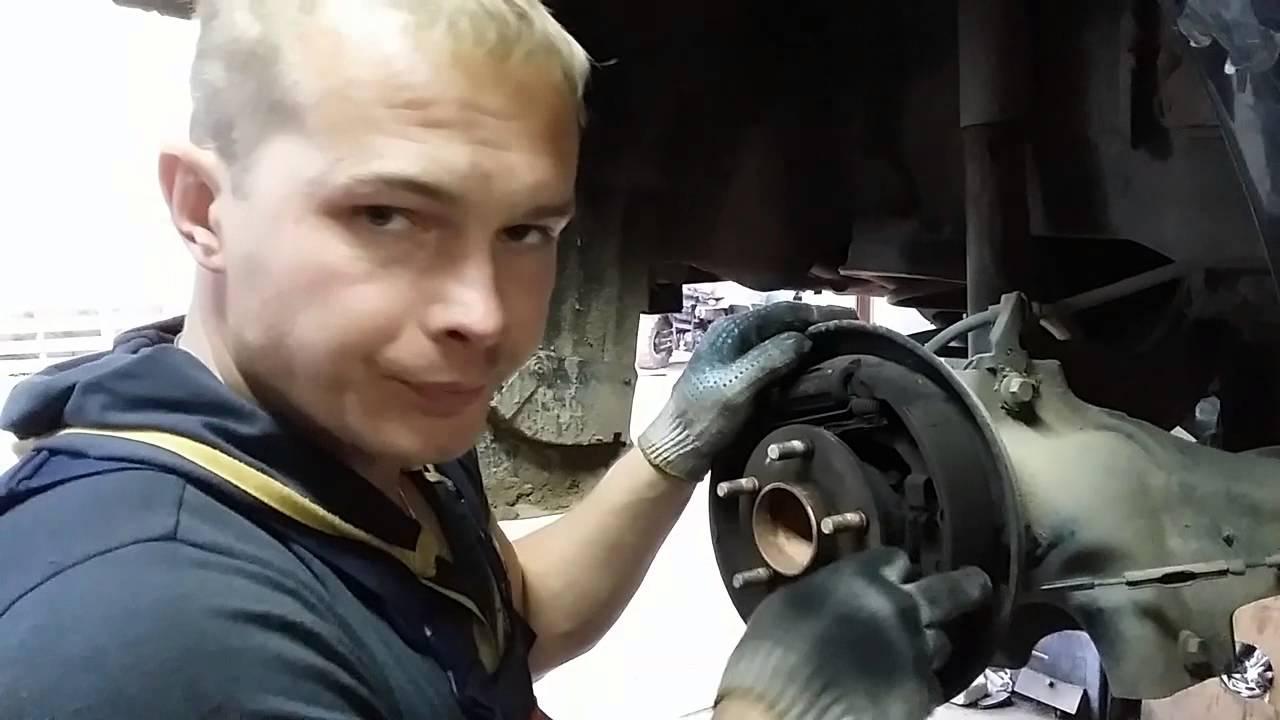 Замена Тормозных Колодок Форд Фокус 2 - YouTube