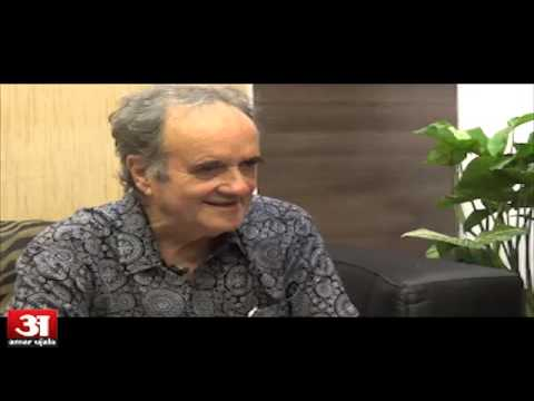 Former bureau chief of  BBC Mark tully told about Hindi