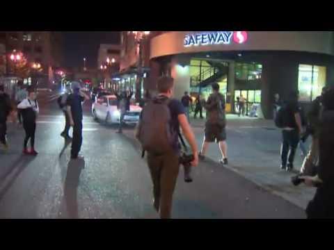 Vandals smashing windows during anti-Trump riot in Portland