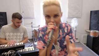 """ПРЕМЬЕРА 2018! Алиса Вокс - """"Поп Хит!"""" (репетиция новой песни). Живой звук (live)."""