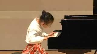 """2013년 음악세계콩쿨 전체대상  Mozart  """"Ah vous dirai-je,Maman"""" 작은별변주곡 전소은 초등2"""