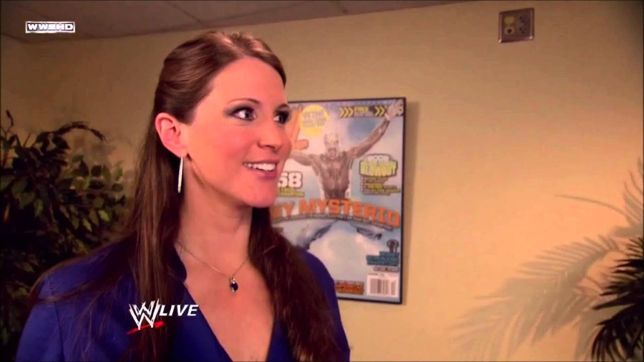 Wwe Welcome To The Queendom Stephanie Mcmahon 7th Theme Song Givedivasachance Youtube