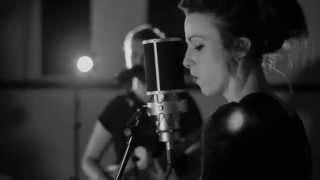 LOLONG - POST WAR GLAMOUR GIRLS (Live Version)