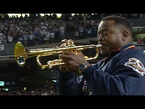 2001ws-gm7:-trumpeter-mcguire-performs-anthem