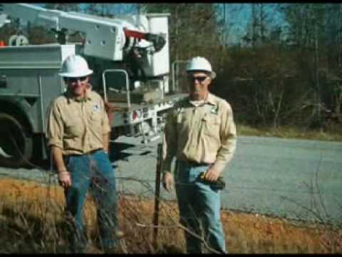A Day In The Life Of An Electrical Lineman Youtube