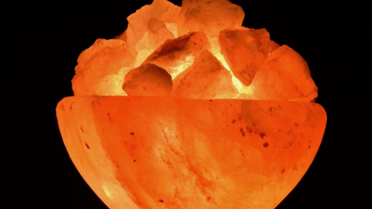 Salt Lamps Toxic To Cats : Salt Lamps and Himalayan Salt are HIGHLY Toxic FunnyCat.TV