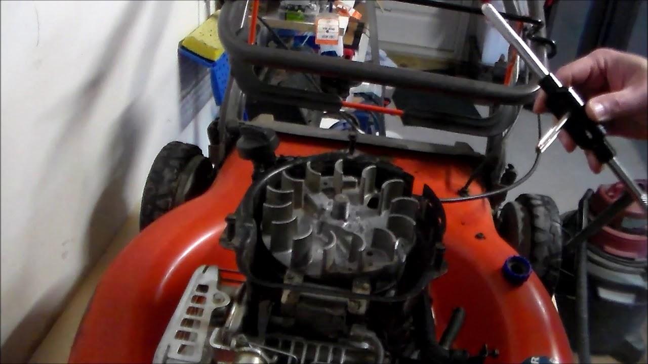 Husqvarna HU625AWD - Briggs 625EX Flywheel removal/Oil Leak Repairs (Part 1)