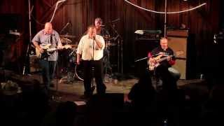 The Hypstrz perform 66-5-4-3-2-1 by the Troggs
