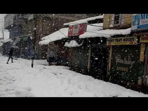 Very Heavy Snowfall In Azad Gunj Baramulla Kashmir- 2017