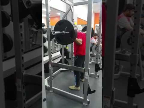 Sami Ullah Jutt.   270/kg.  Sakod lifting.  Pakisatan punjab. Daska