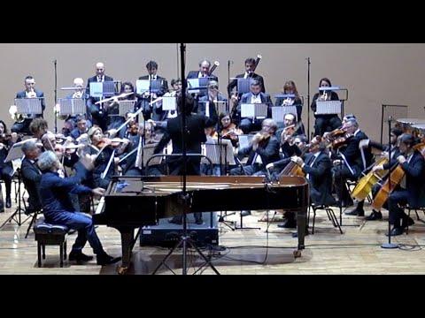 R. Schumann, Concerto Op.54 (mov.1) - Massimo Severino, Piano
