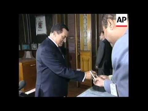 EGYPT: PRESIDENT REFERENDUM: VOTING BEGINS