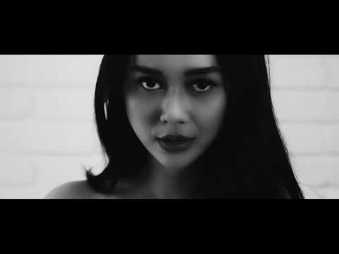Aura Kasih - Temani Diriku Feat NSG (Music Video) ✅