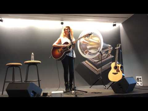 Daydream - Tori Kelly