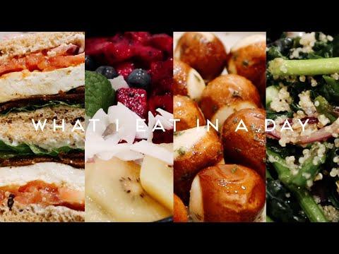 WHAT I EAT IN A WEEK VEGAN   Garlic Bread Pretzel Knots, Breakfast Sandwich & Salad #014